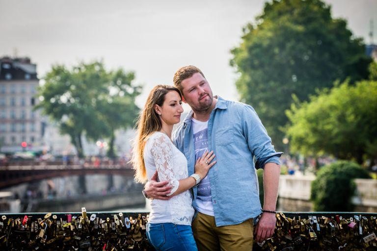 Séance Engagement à Notre dame et au Sacré Coeur à Paris Justine & Loic