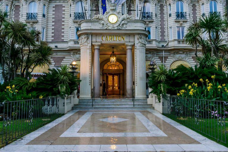 Photographe Mariage Juif Cannes, Nice, Monaco. Façade de l'Hôtel Carlton de Cannes