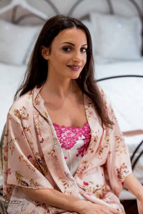 Photographe mariage Cannes, Nice, Monaco, 06. Portrait de la mariée en préparation.